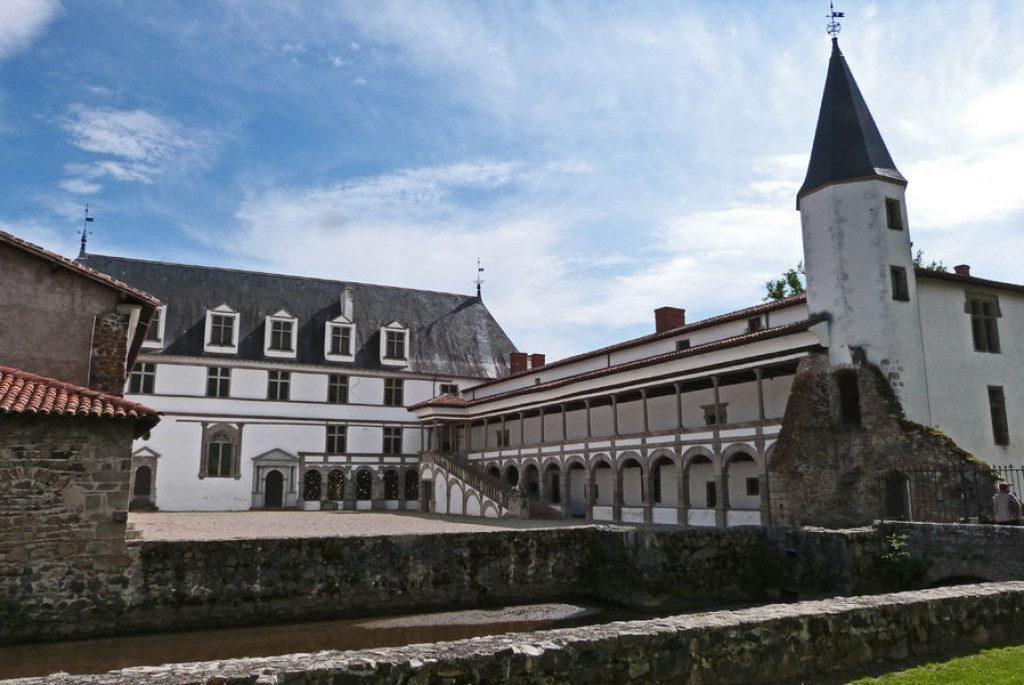 Le château de la Bâtie d'Urfé